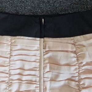 H&M Skirts - H&M Light Pink & Black Ruched Pencil Skirt Size 6